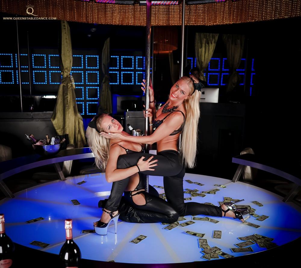 bikini blonde masturbates
