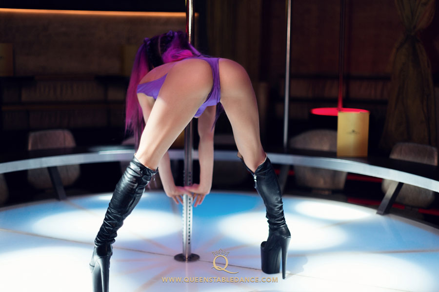 strip club, munich, showgirl