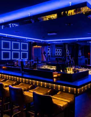 stripclub tabledance queens munich this atmosphere invites to relax. Black Bedroom Furniture Sets. Home Design Ideas